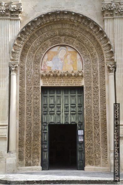 Porte de la Chiesa dei Santi Niccolò e Cataldo. Photo © Alex Medwedeff