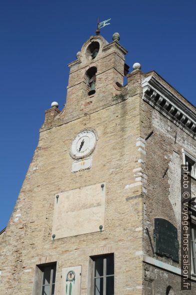 Palazzo degli Anziani. Photo © Alex Medwedeff