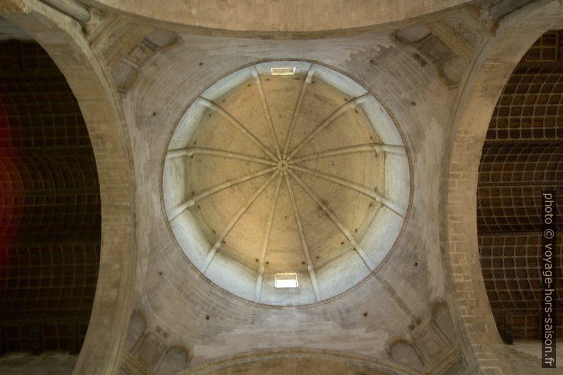 Vue sous la coupole de la nef de la cathédrale d'Ancône. Photo © André M. Winter