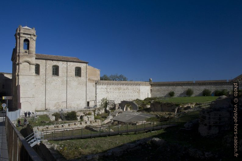 Chiesa di San Gregorio et le l'amphithéâtre romain d'Ancône. Photo © Alex Medwedeff