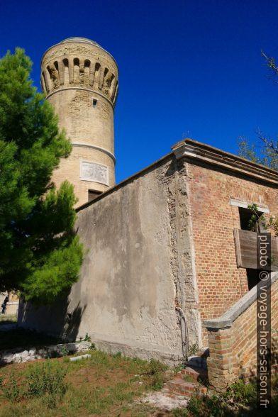 Il vecchio faro di Ancona. Photo © André M. Winter