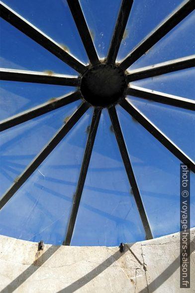 La coupole de verre sur l'ancien phare d'Ancône. Photo © André M. Winter