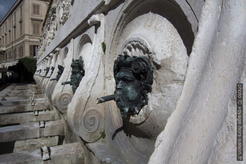 Les bouches de la Fontana delle tredici cannelle. Photo © André M. Winter