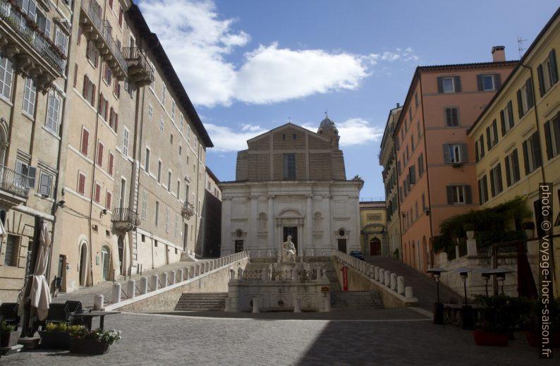 Chiesa di San Domenico di Ancona. Photo © Alex Medwedeff