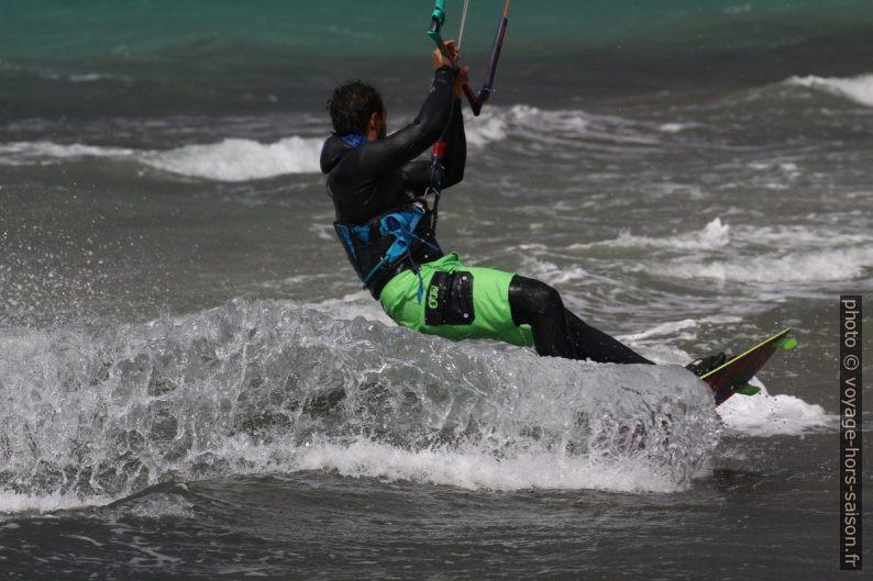 Kite-surfeur en action. Photo © André M. Winter