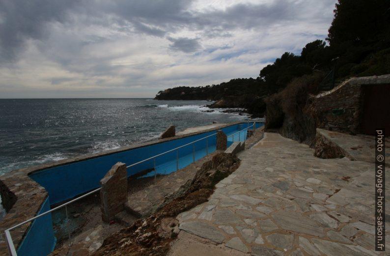 Piscine construite trop près du rivage. Photo © André M. Winter