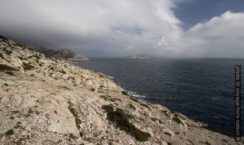 Le Capélan et l'Île de Jarre. Photo © André M. Winter
