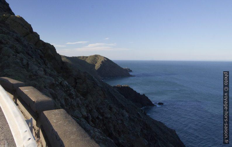 Vue vers le nord et la Punta del Frare et le Cap Marcer. Photo © André M. Winter