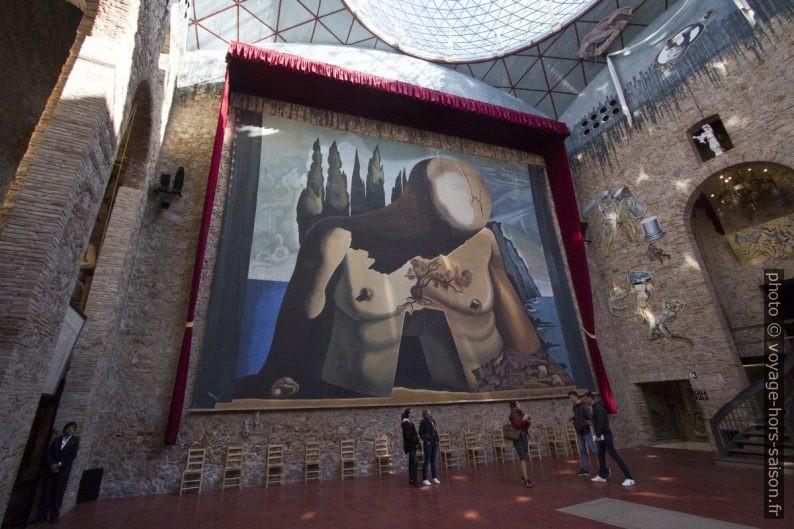 Scène-dôme avec le tableau Labyrinthe - Dalí - 1941. Photo © André M. Winter
