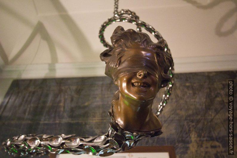 Buste de femme aux yeux badées - Dalí. Photo © André M. Winter