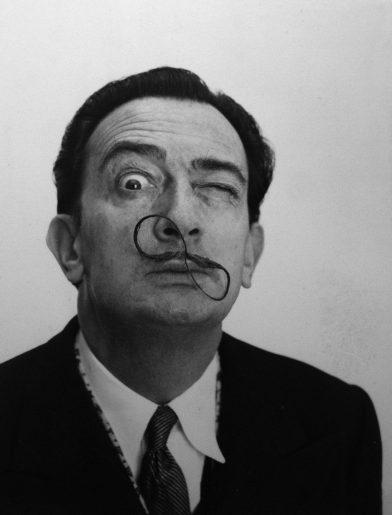 Dali's mustache - Philippe Halsman - en huit