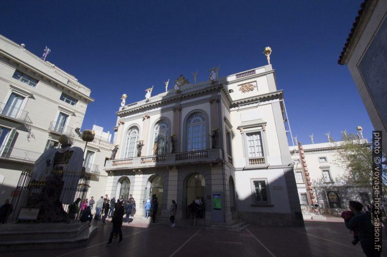 Entrée du Théâtre-musée Dalí. Photo © André M. Winter