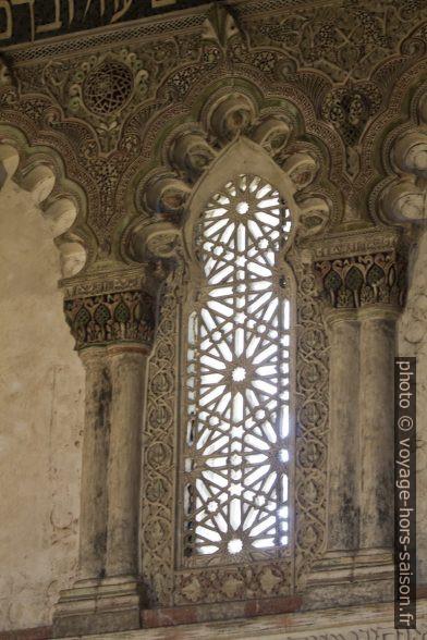 Une baie haute de la Sinagoga del Tránsito. Photo © André M. Winter