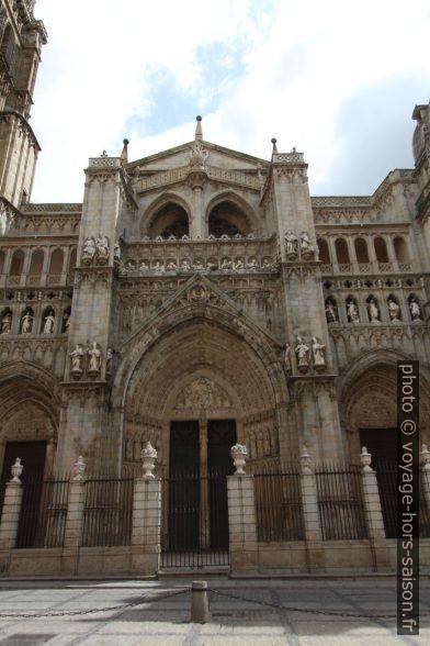 Puerta del Perdón de la Catedral Primada de España. Photo © André M. Winter