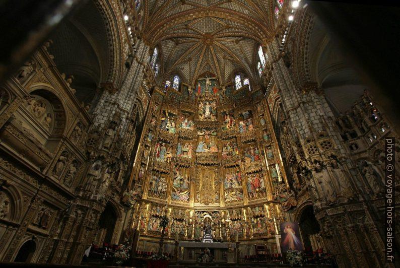 Retable en bois polychrome de la Cathédrale Sainte-Marie. Photo © André M. Winter
