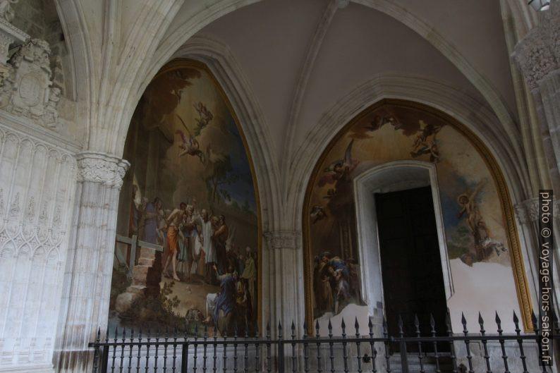 Peintures dans le cloître de la Cathédrale de Tolède. Photo © André M. Winter