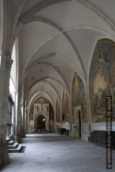 Couloir du cloître de la Cathédrale de Tolède. Photo © Alex Medwedeff