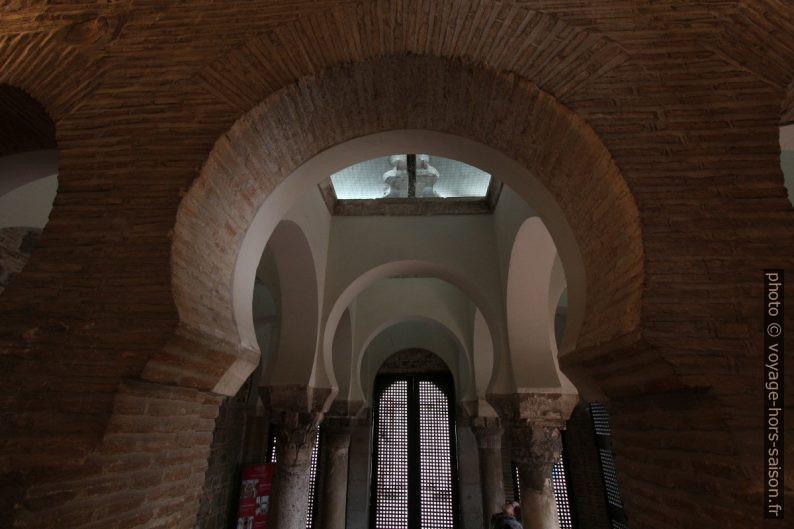 Vue de l'abside mudéjar vers la partie de la Mosquée Bab al-Mardum. Photo © André M. Winter