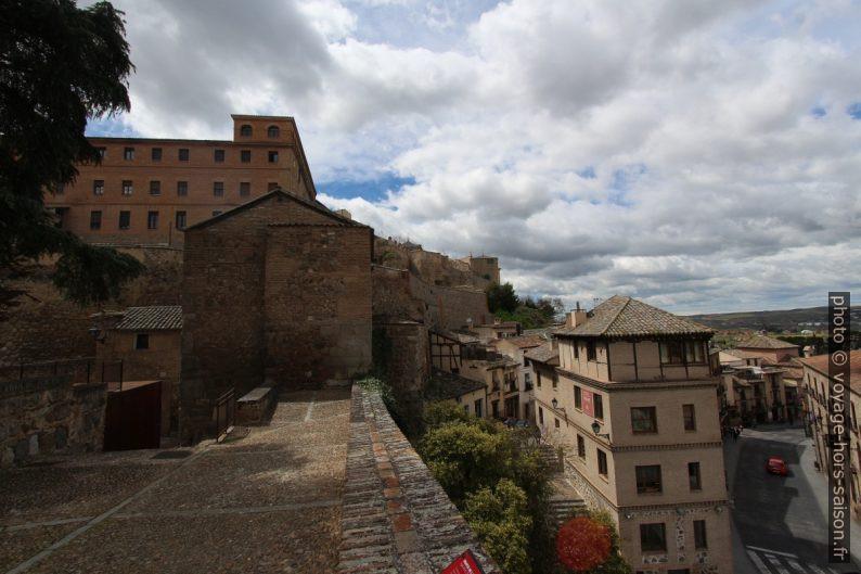 Convento Carmelitas Descalzos et mur défensif intérieur nord de Tolède. Photo © André M. Winter