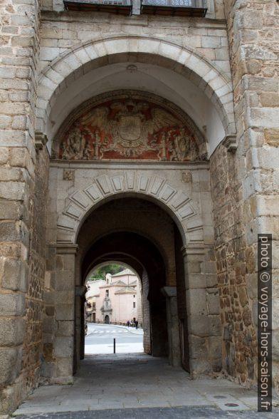 Arc côté ville de la Puerta Nueva de Bisagra. Photo © Alex Medwedeff