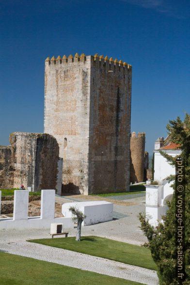 Donjon du Castelo de Moura. Photo © Alex Medwedeff
