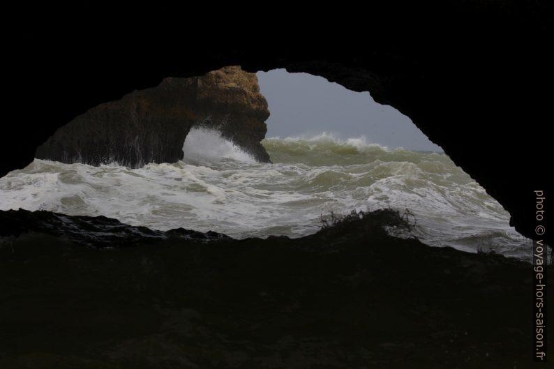 Forte tempête sur la mer hors du cirque de la Praia Secreta. Photo © André M. Winter