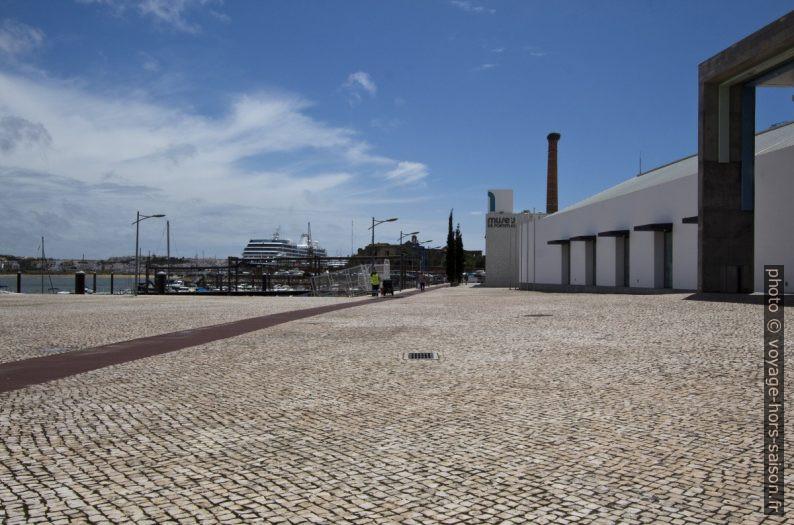 Ancien quai de débarquement des sardines de Portimão. Photo © André M. Winter