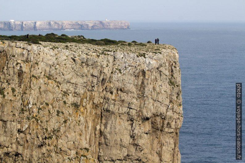 Cap sans nom au sud-est du Cabo de São Vicente et le Cap de Sagres. Photo © André M. Winter