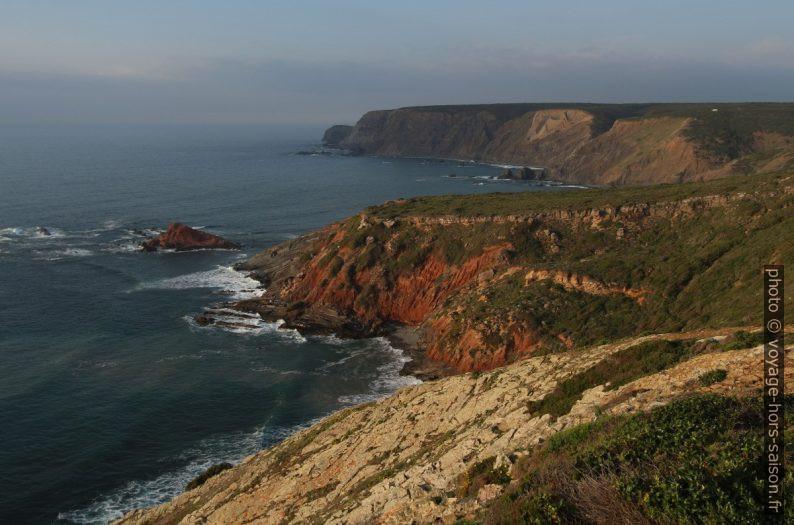 Côte au nord du Cabo de São Vicente. Photo © André M. Winter