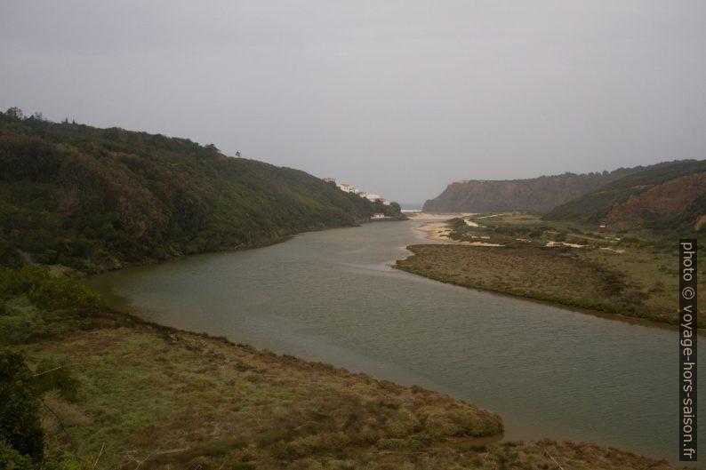 Estuaire du Rio Seixe. Photo © Alex Medwedeff