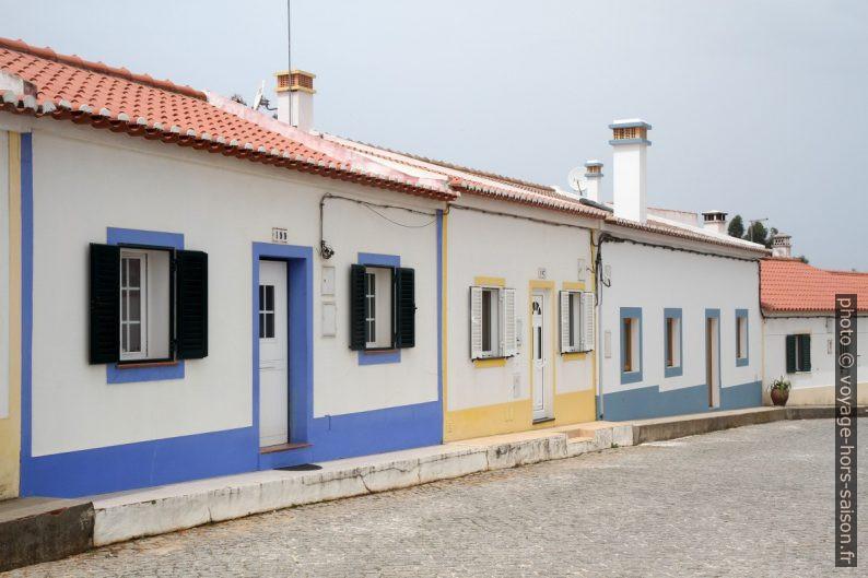 Maison du village d'Odeceixe. Photo © Alex Medwedeff