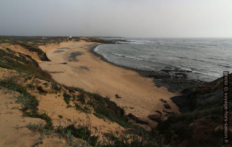 Praia do Carreiro das Fazendas. Photo © Alex Medwedeff