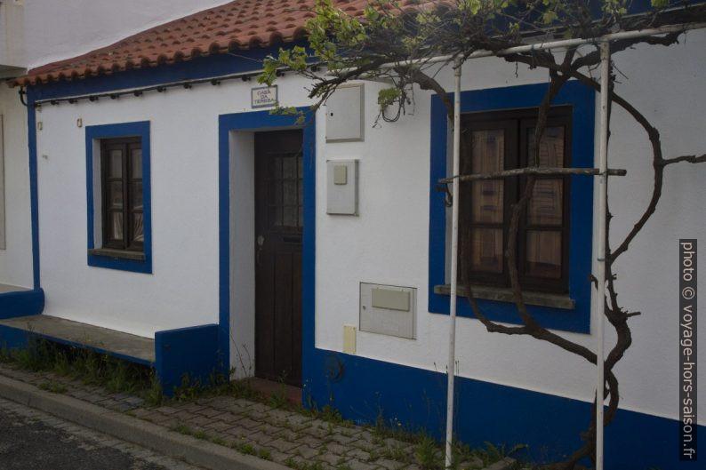 Une petite maison à Vila Nova de Milfontes. Photo © Alex Medwedeff