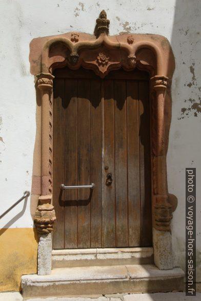 Porte latérale de la Igreja da Misericórdia de Santiago do Cacém. Photo © André M. Winter