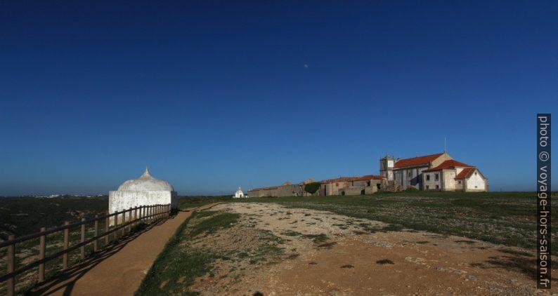 Ermida da Memória e Nossa Senhora da Pedra Mua no Cabo Espichel. Photo © André M. Winter