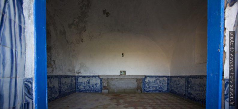 Azulejos dans l'Ermida da Memória au Cap Espichel. Photo © André M. Winter