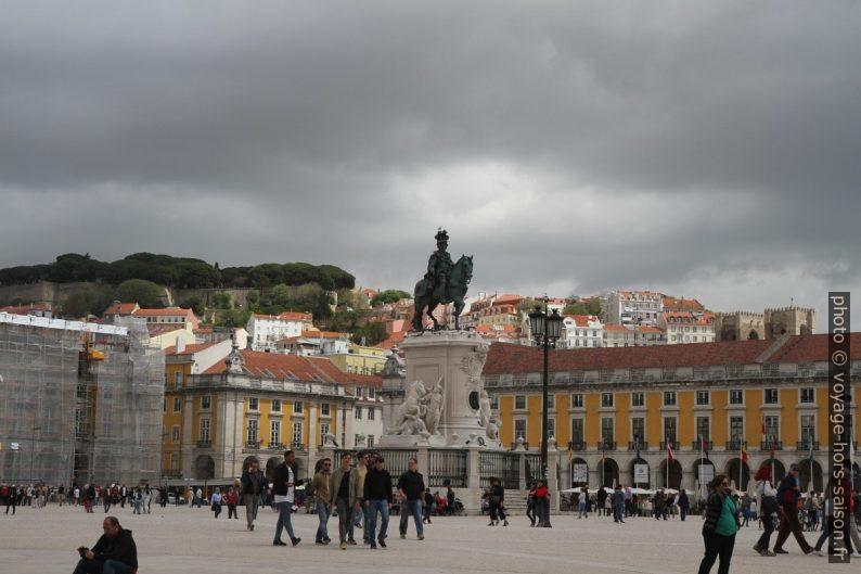 Estátua de Dom José I. Photo © Alex Medwedeff