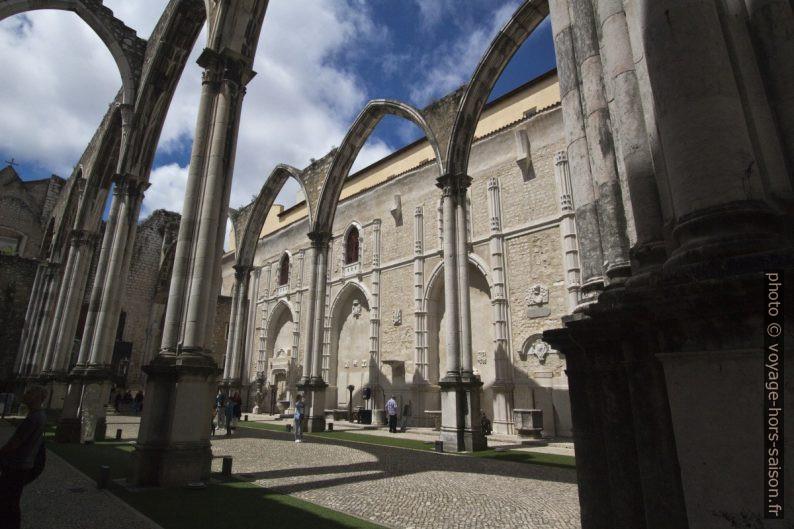 Nef à ciel ouvert de l'église du Convento do Carmo. Photo © André M. Winter