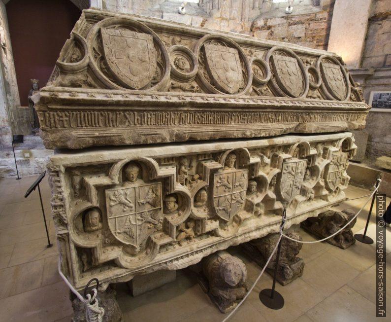 Sarcophage de Fernando I de Portugal. Photo © André M. Winter