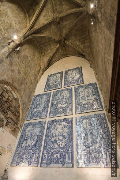 Azulejos exposés dans le musée du Convento do Carmo. Photo © André M. Winter
