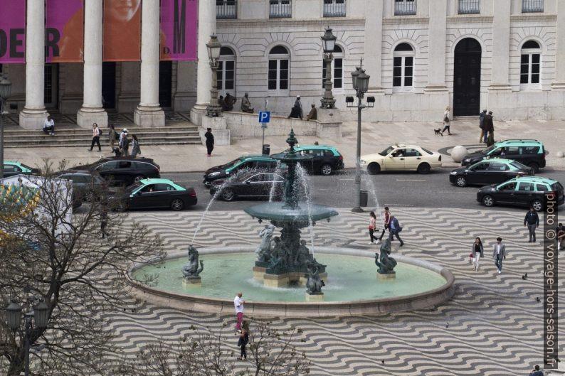 Fontaine de la Praça Dom Pedro IV. Photo © André M. Winter