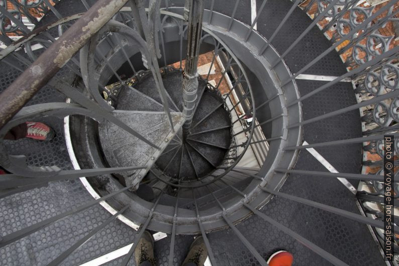 L'escalier en colimaçon de la terrasse de Santa Justa. Photo © André M. Winter