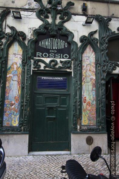 Façade Art Nouveau avec azulejos polychromes de l'Animatógrafo do Rossio. Photo © André M. Winter