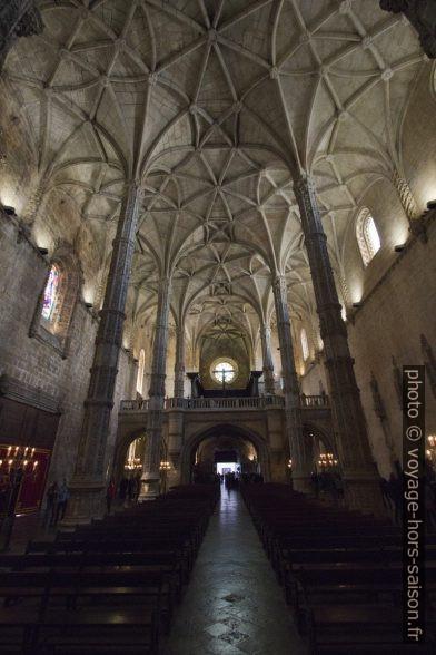 Nef de l'église Santa Maria. Photo © André M. Winter