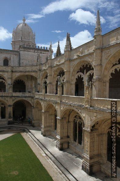 Face ouest du Mosteiro dos Jerónimos. Photo © Alex Medwedeff