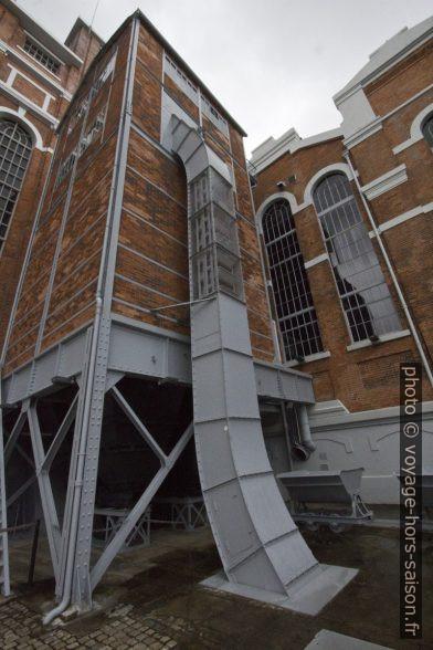 Ascenseur à charbon de la Central Tejo. Photo © André M. Winter