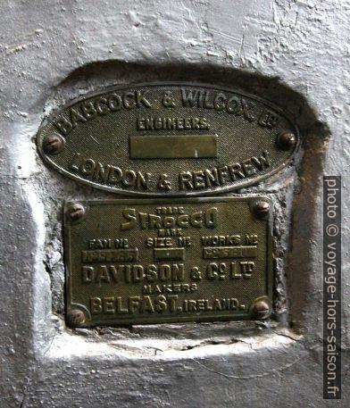 Plaque de la cheminée de la chaudière Babock & Wilcox. Photo © André M. Winter