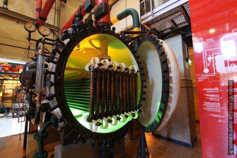 Condensateur de vapeur. Photo © André M. Winter