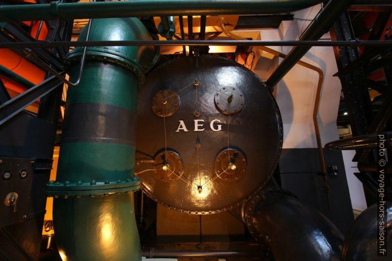 Partie arrière d'une turbine AEG. Photo © André M. Winter