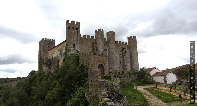 La muraille et le Château de Óbidos. Photo © André M. Winter